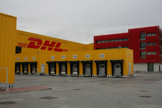 TERMINAL BUILDING OF DHL AT THE AIR CARGO CENTRE OF THE ADOLFO SUÁREZ INTERNATIONAL AIRPORT MADRID-BARAJAS